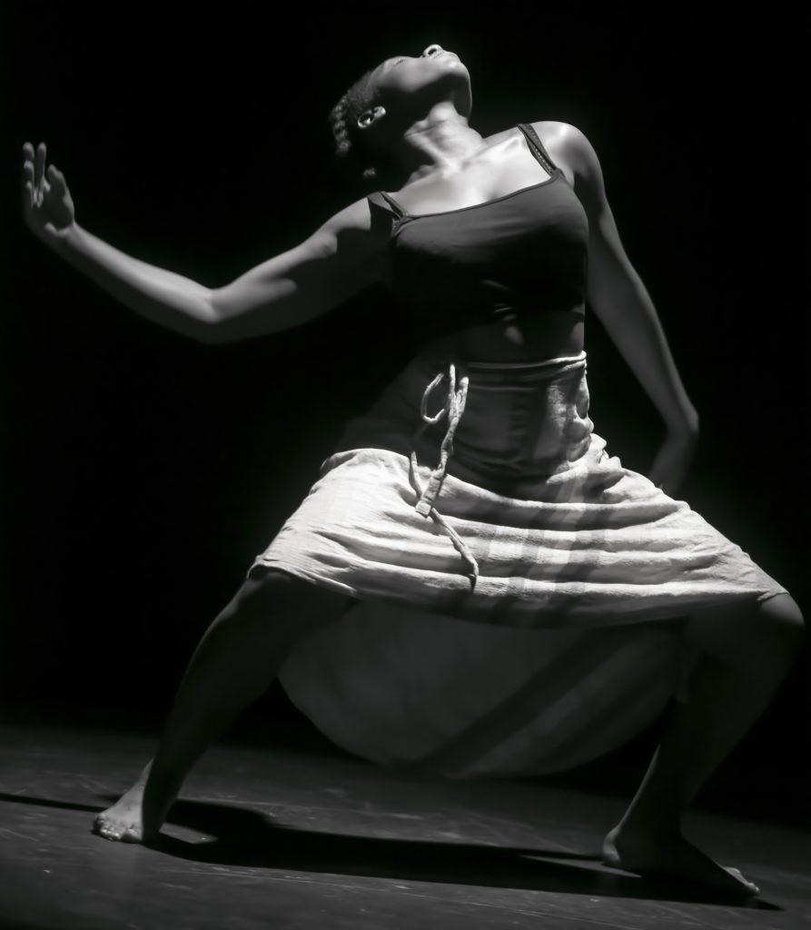 Benecorps Perpignan Ecole de Danse contemporaine. Cours de Tunde Pasdach